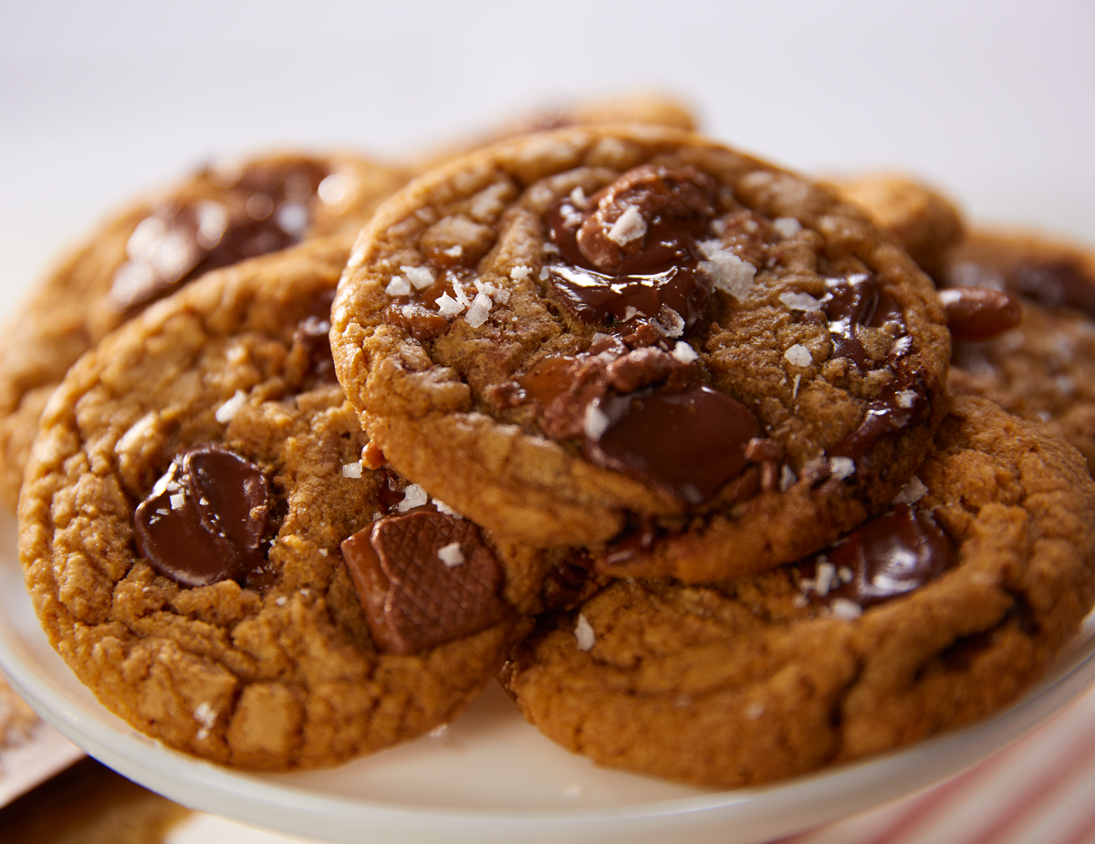 Browned-Butter-Chocolate-Toffee-Cookies