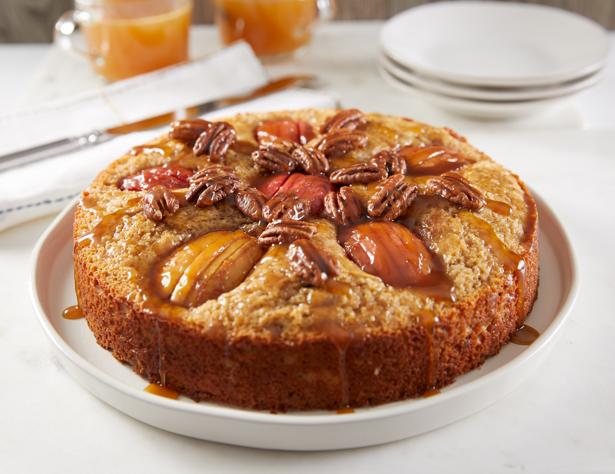 Caramel-Pecan-Apple-Cake