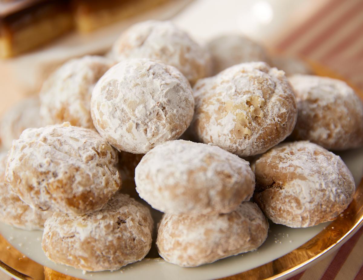German-Pfeffernusse-Spice-Cookies